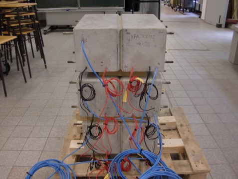 Electrochemical corrosion measurements on reinforced concrete samples (picture: Andreas Fraundorfer)