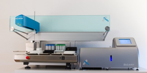 Automated microbioreactor system for simultaneous growth optimization in 48 parallel reactors (Picture: m2p-labs GmbH)