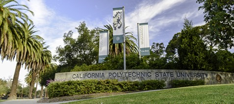 Am Eingang zur Cal Poly. Foto: Cal Poly