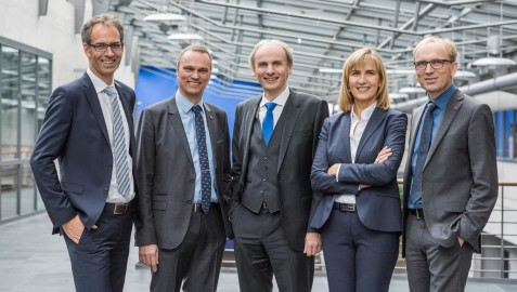 The executive committee (from left to right): VP Prof. Dr. Thomas Stumpp, Chancellor Dr. Kai Wuelbern, President Prof. Dr. Martin Leitner, VP Prof. Dr. Sonja Munz, VP Prof. Dr. Klaus Kreulich. (Photo: Julia Bergmeister)