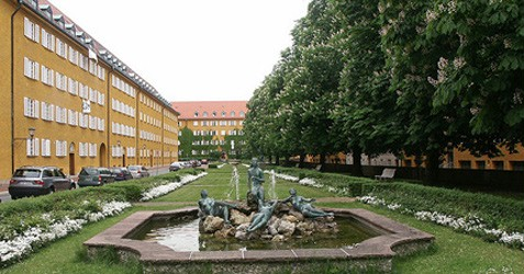 Fountain at Bernhard-Borst-Stra�e, Source: flickr.com, Creative Commons, Stadtneurotiker