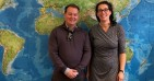 John Stewart von der RRU mit Cornelia Liem vom International Office der FK14 (Foto: International Office FK14).